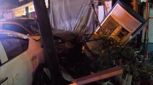 Car Crash 1st night curfew is lifted Chiang Mai