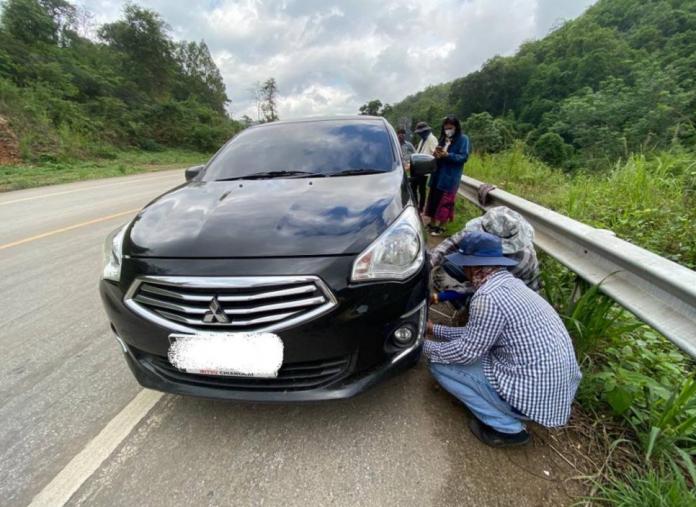 Flat Tyre Warning Chiang Mai - Chiang Rai Road