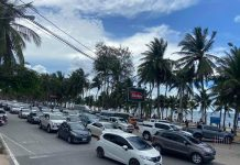 Traffic on Bang Saen Beach Road