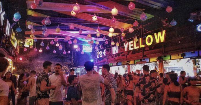 Zoe In Yellow Bar