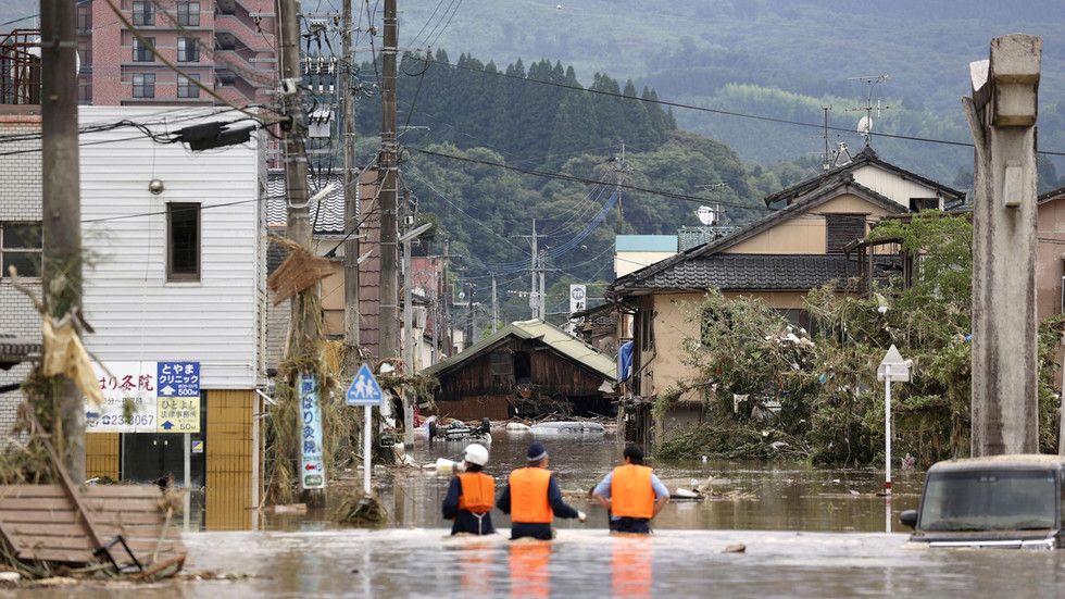 Japan Floods Rescue Workers