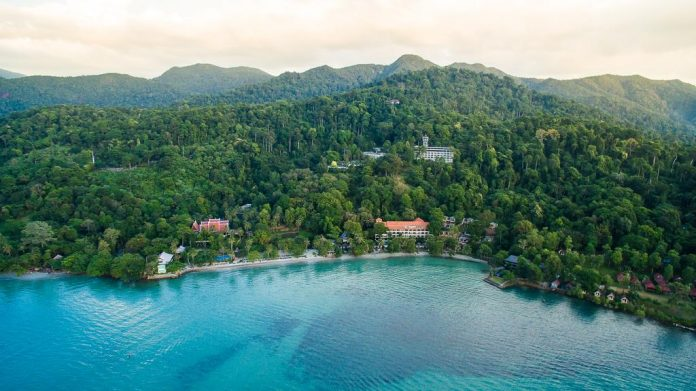 Koh Chang Resort Sues Expat Guest