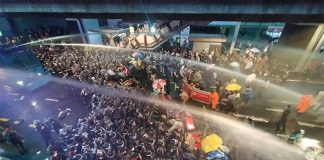 Water Cannons Used On Protesters