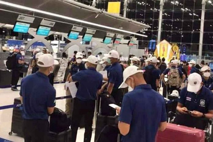Thai Soldiers At Airport